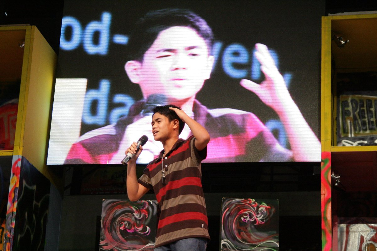 Picture of Mark Muleta preaching at Ignite 2011